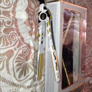 Accessories - CHI hair straightener/Flat Iron